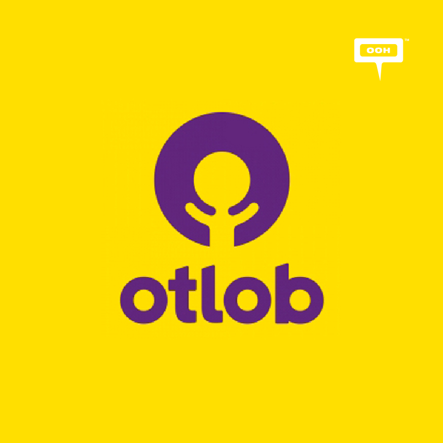 Otlob's takes over October Bridge with 1 km of exclusive offers!